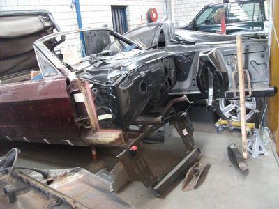 Mustang Restoration 14 800X600