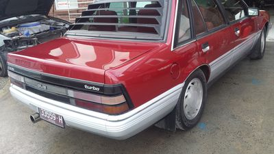 Holden Commodore Vy 24