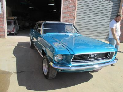 Mustang Restoration 800X600